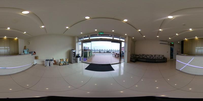 11綠堤濱海旅店