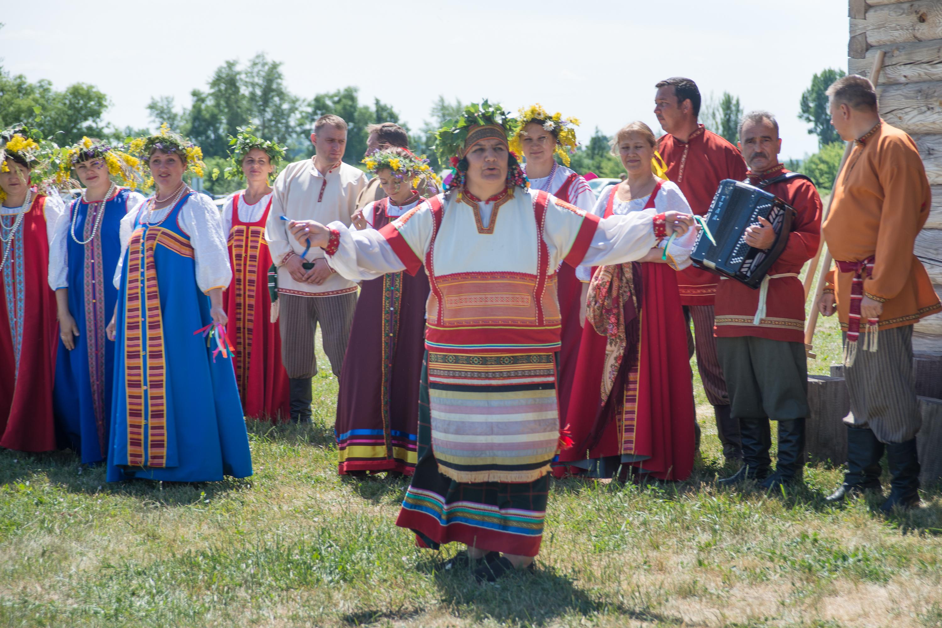Праздник Троица в «Тарханах» в русских народных традициях