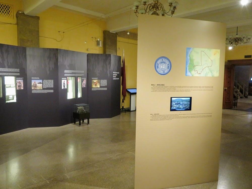 Золотая осень в Латвии. Военный музей. Миротворцы