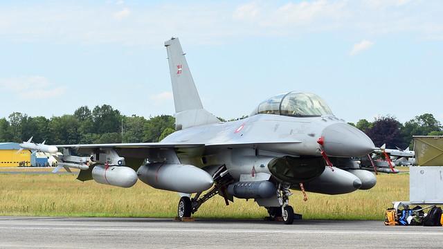 General Dynamics F-16BM Fighting Falcon c/n 6G-9 Denmark Air Force serial ET-612