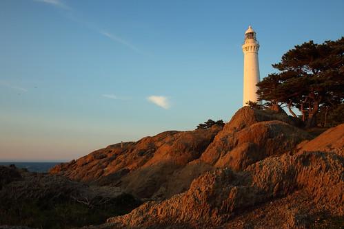 landscape izumo lighthouse hinomisaki shimane japan japon seashore coast shore cliff evening sunset sky 出雲 日御碕 出雲日御碕灯台 日本 島根県 大社町 海岸 夕日 海 日本海 山陰 灯台
