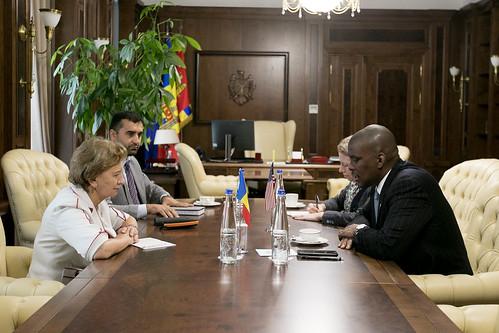 18.06.2019 Întrevederea președintei Zinaida Greceanîi cu E.S. Dereck J. Hogan. Ambasadorul SUA în Republica Moldova