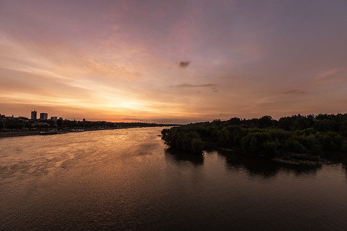 sunset evening light sky sun river city urban town horizon warsaw colours outside scenery view reflections