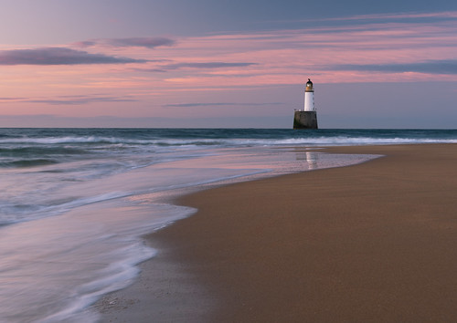 lighthouse rattrayheadlighthouse rattrayhead rattray aberdeenshire moray coast seascape presunrise gloaming blue purple pink beach sky clouds water light sunrise scotland nikond7200 1635mm 35mm nikkor nikkor1635mm nikkor1635mmf4