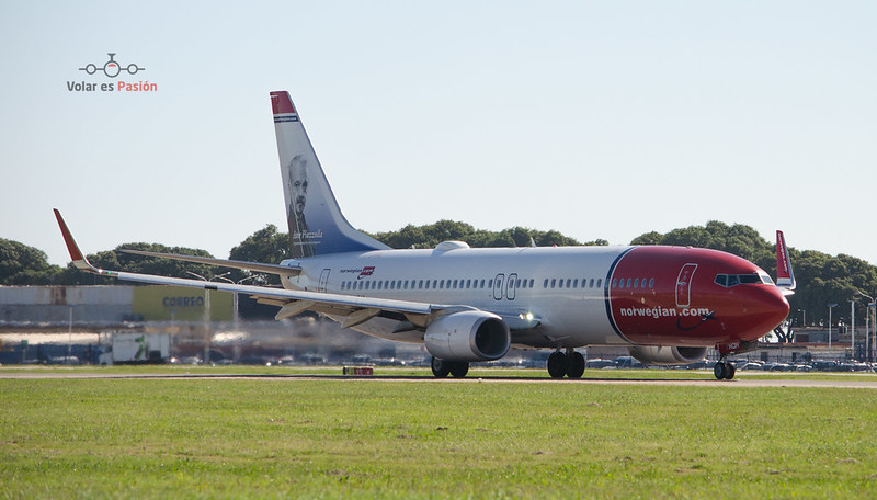 Norwegian B737-800