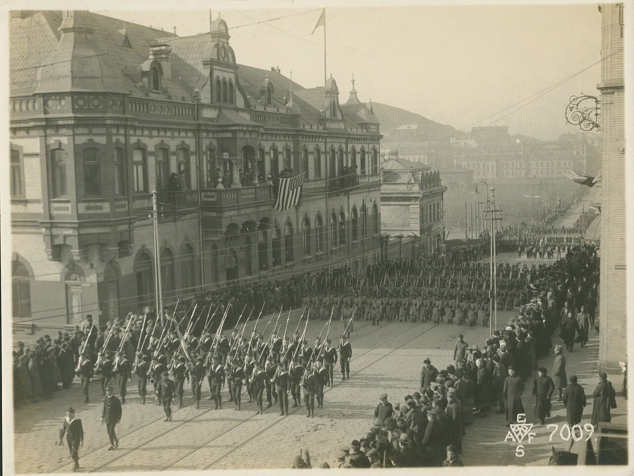 23. 1918. Моряки броненосца «Микаса», солдаты 12-ой дивизии. 15 ноября