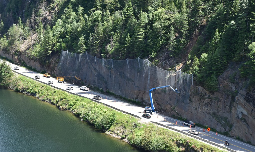 Robust rock fall fencing installed at Three Valley Gap