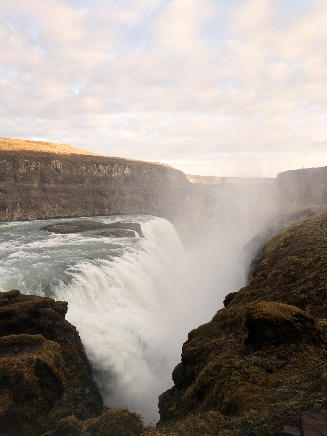 10iceland-gullfoss-waterfall-thingvellir-nationalpark-goldencircle-travel