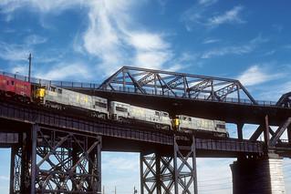 Louisville & Nashville #2765 - MacArthur Bridge