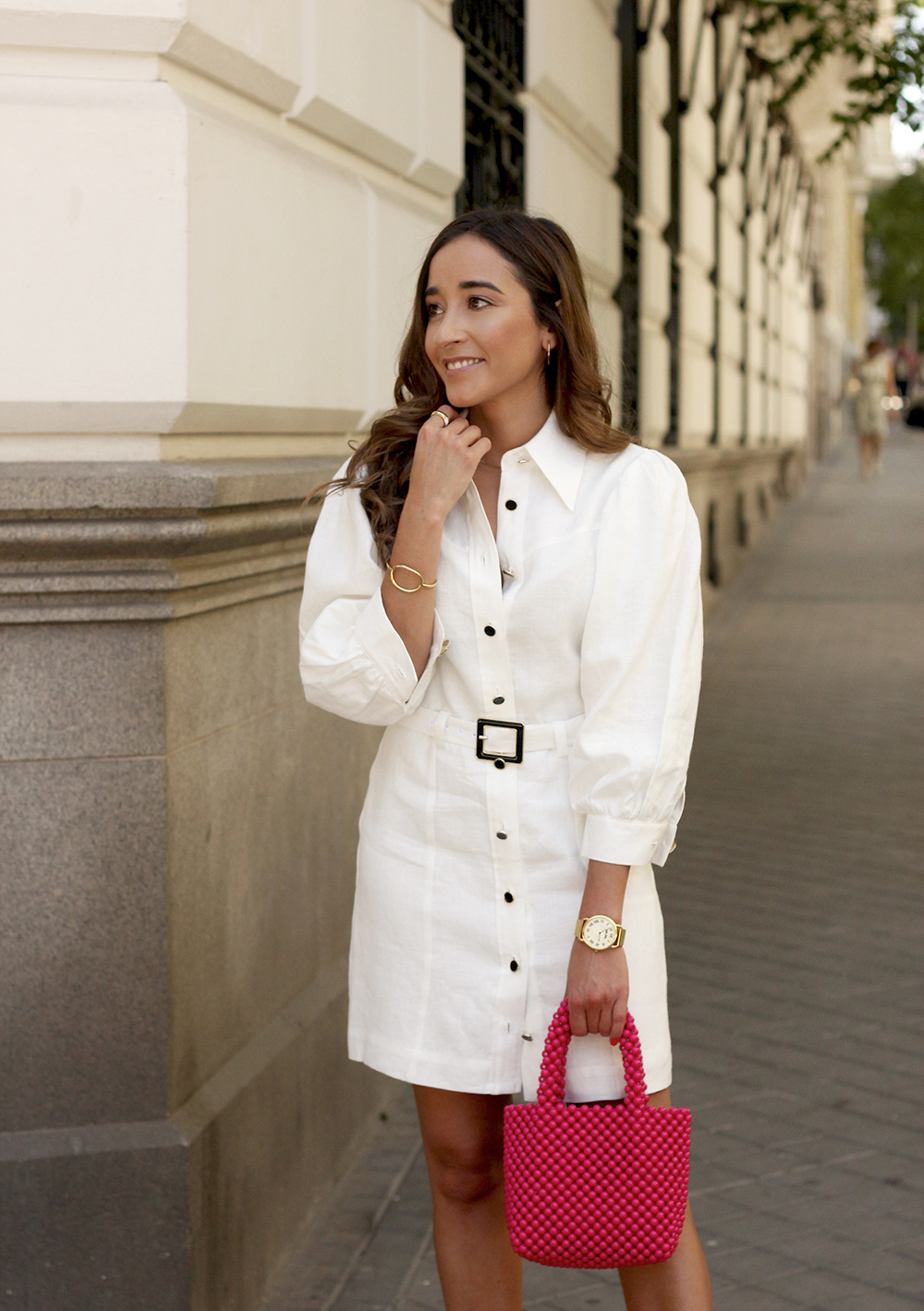 white linen dress pink bag nude sandals folli follie jewellery street style outfit 201910