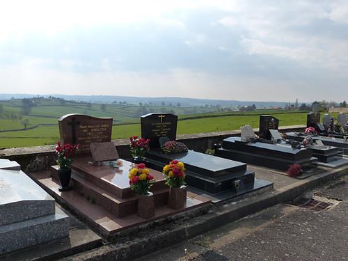 au cimetière de Sanvignes 2