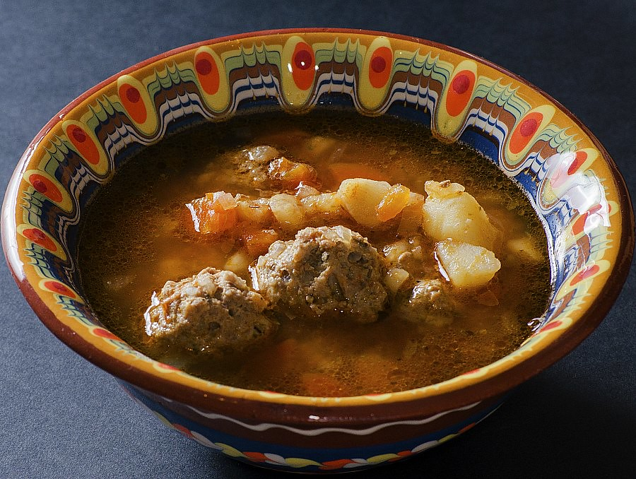 Romanian Dishes: Meatball Soup