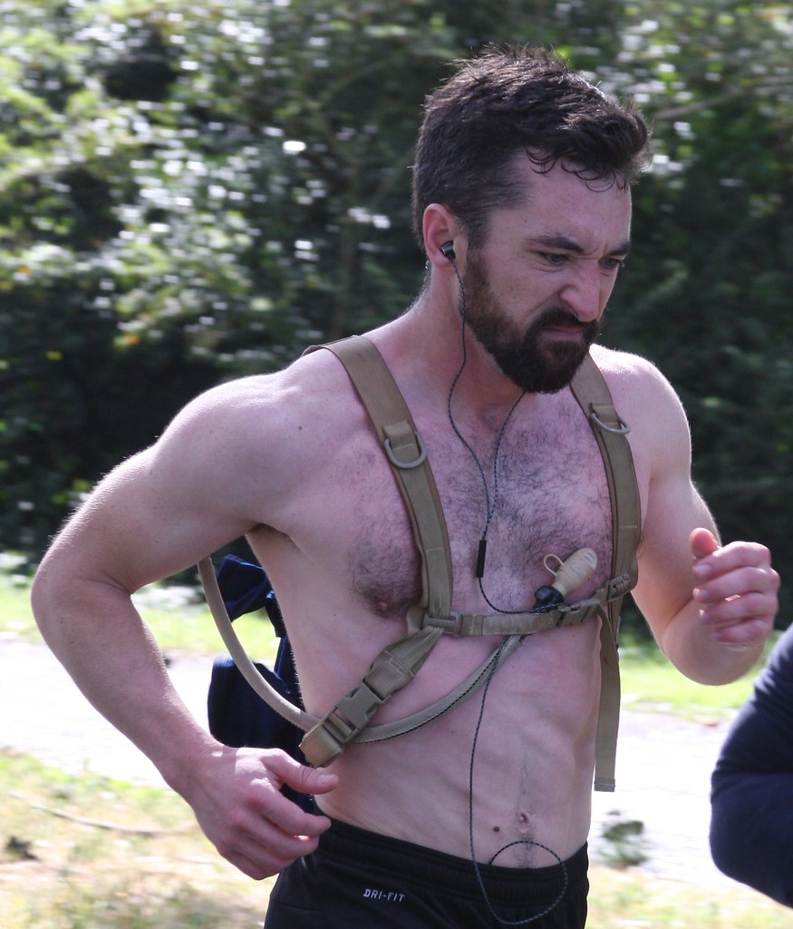 #3 TOP VIEWED & FAVED BEARDED HUNK at the BAY TO BREAKERS RACE 2019 ! ( safe photo )