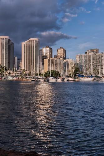 nikon d5600 tamron 16300mm water ocean oahu waikiki alawaiboatharbor honolulu hawaii hoyaredintensifierfilter clouds buildings boats
