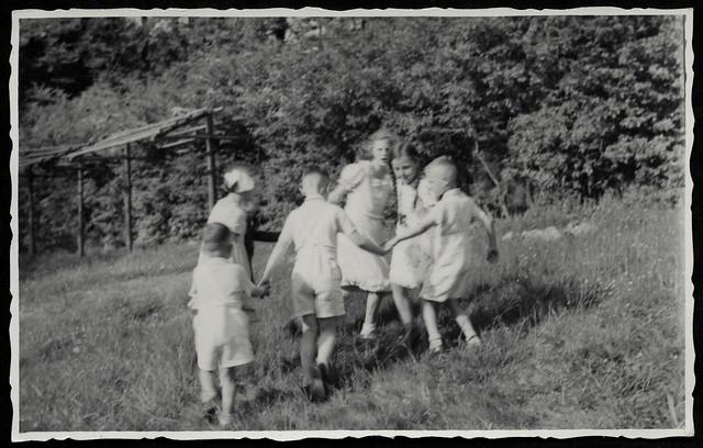Archiv T237 Ringelreihen, 1930er