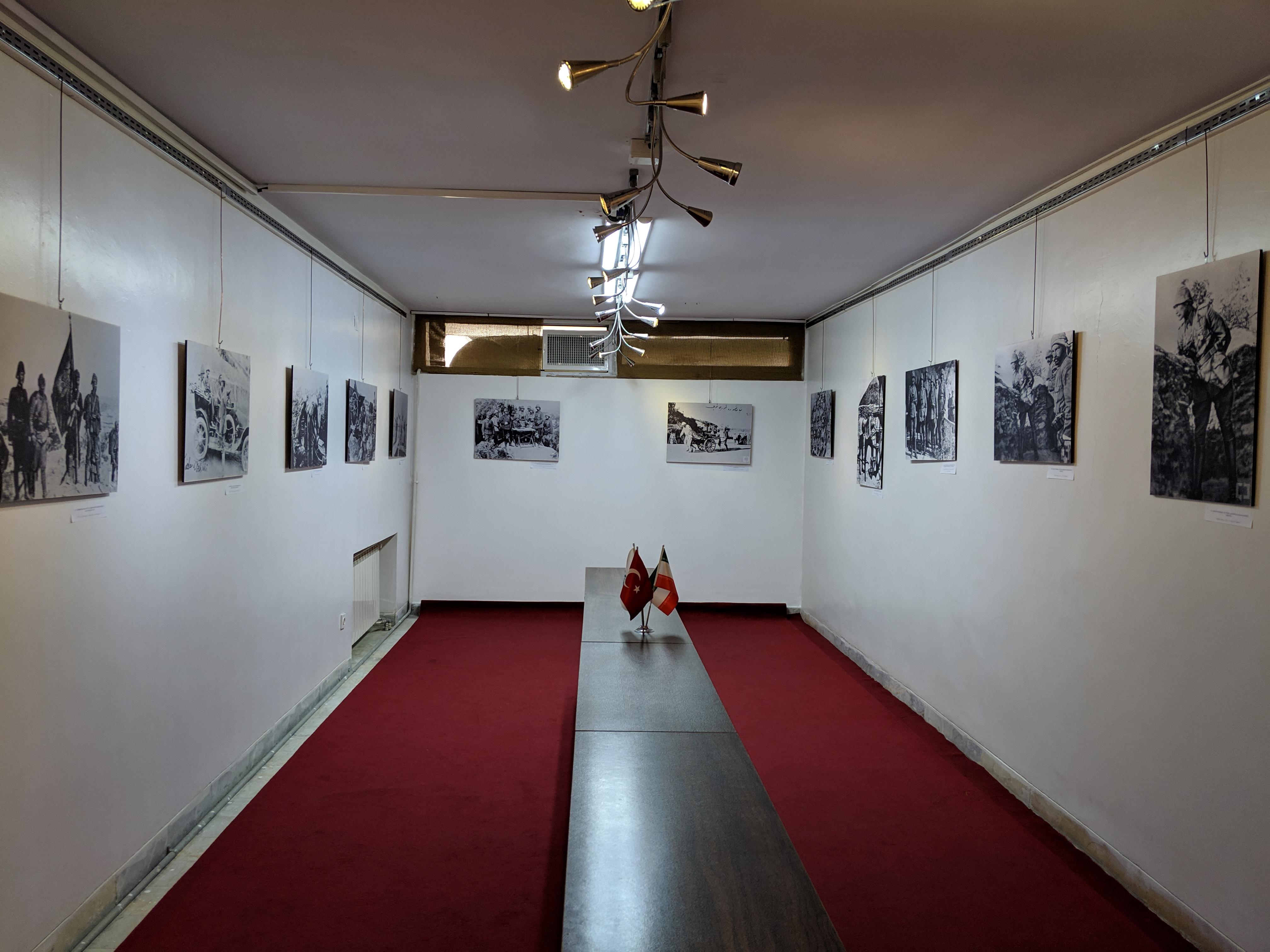 恰納卡雷戰役周年攝影展