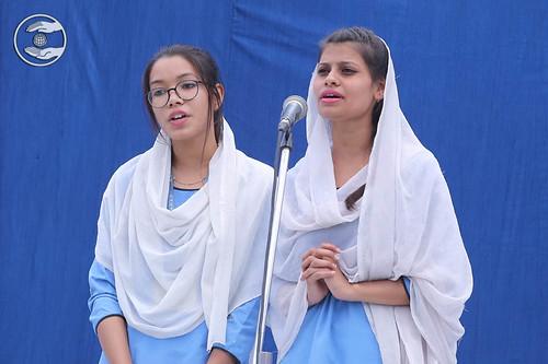 Devotional song by Sewal Dal volunteers
