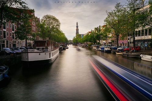 amsterdam canal canale holland netherlands boat barca barche longexposure nikond3100 prinsengracht europa europe trail scia houses case alberi trees blue red blu rosso sunset tramonto colori colors