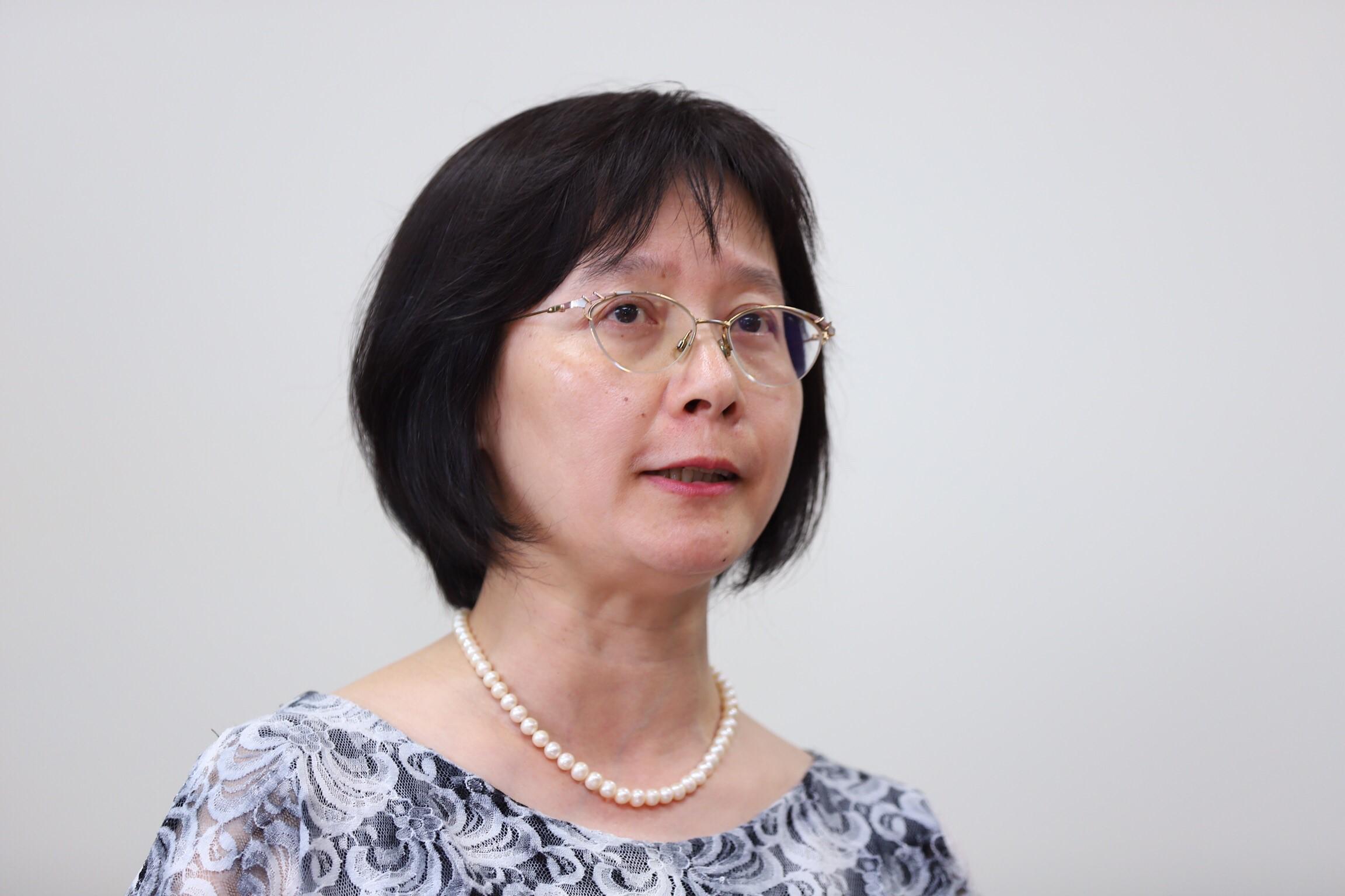 諮商中心主任黃小玲