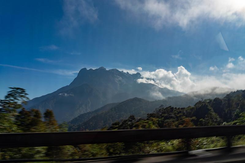 キナバル山の外観