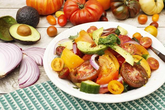 refreshing-heirloom-tomato-salad-ffty