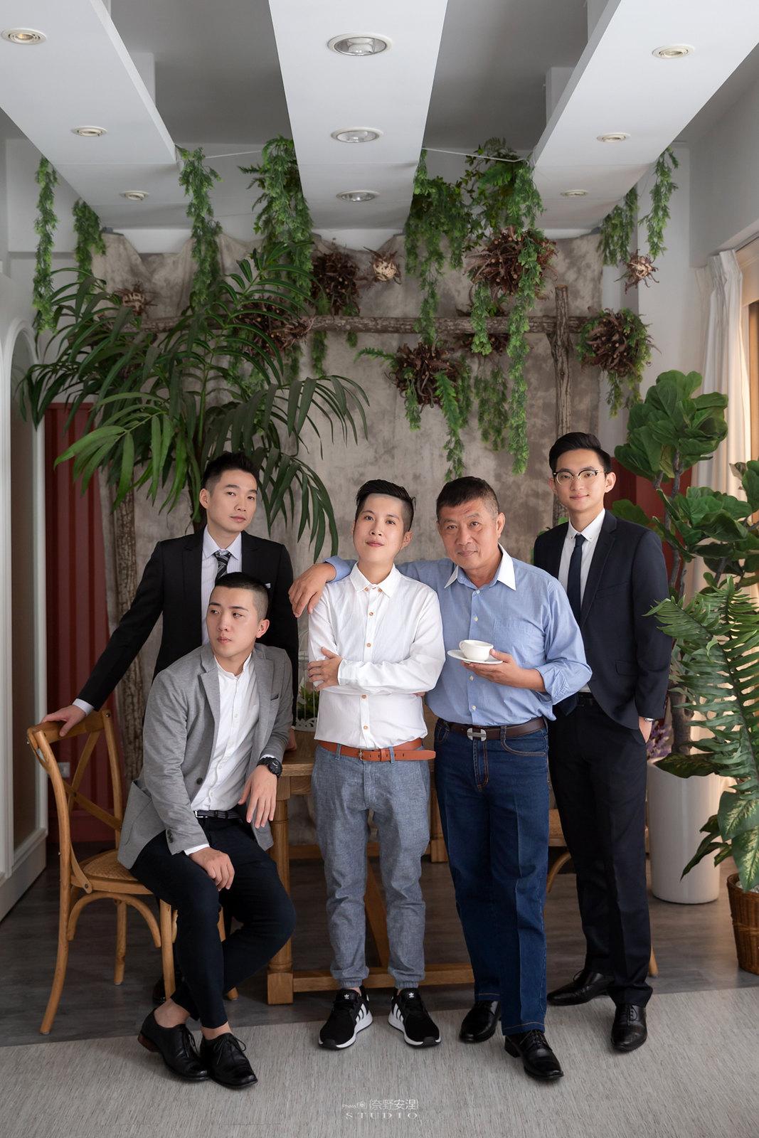 台南全家福 | 拋棄傳統合照的彆扭,忠實呈現家人間最親密的情感17