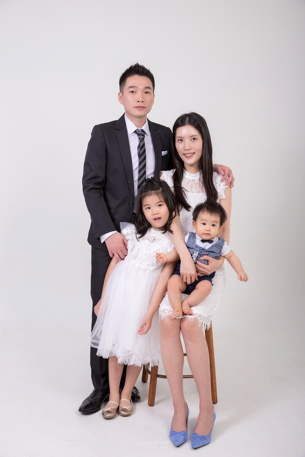 台南全家福 | 拋棄傳統合照的彆扭,忠實呈現家人間最親密的情感11