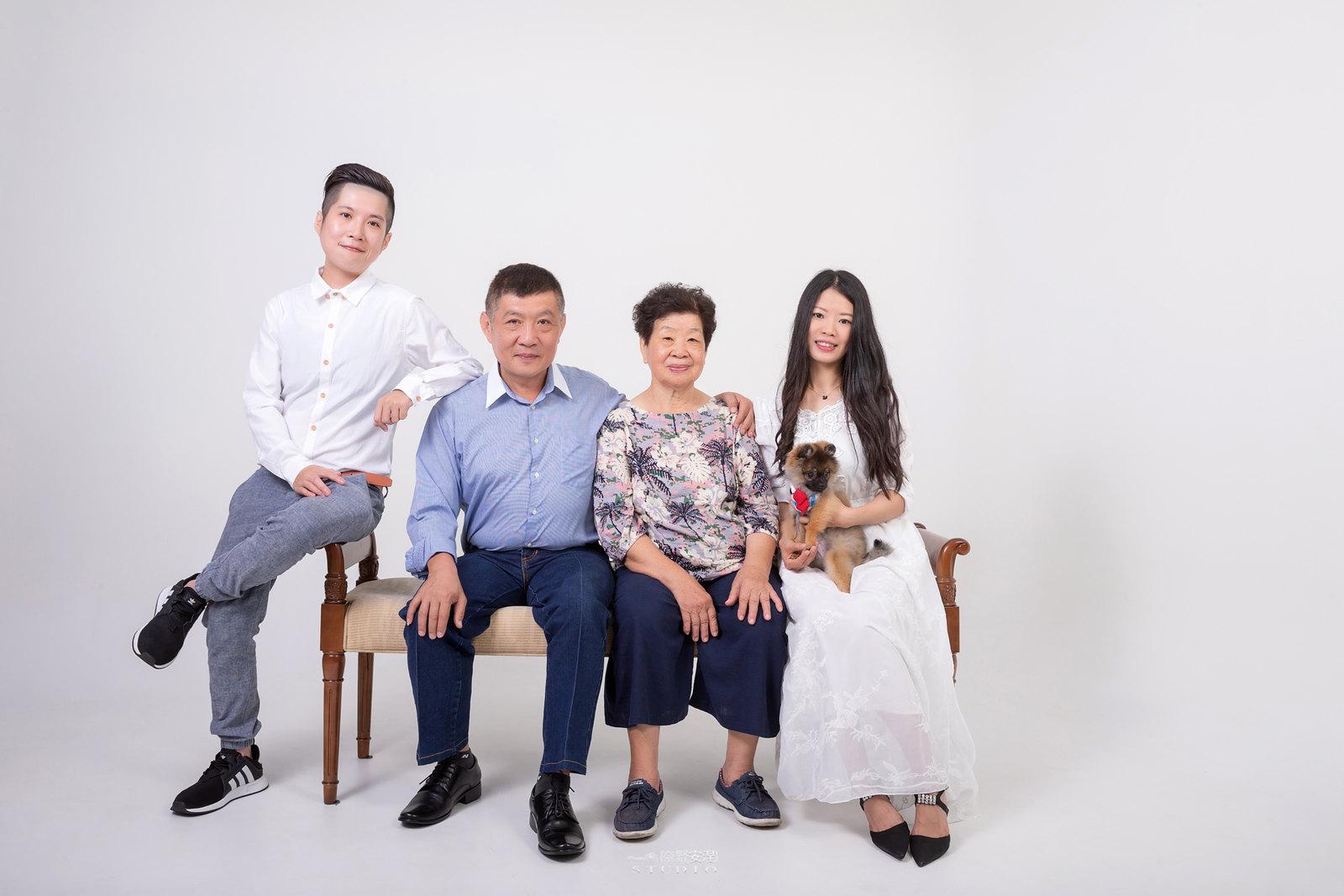 台南全家福 | 拋棄傳統合照的彆扭,忠實呈現家人間最親密的情感6