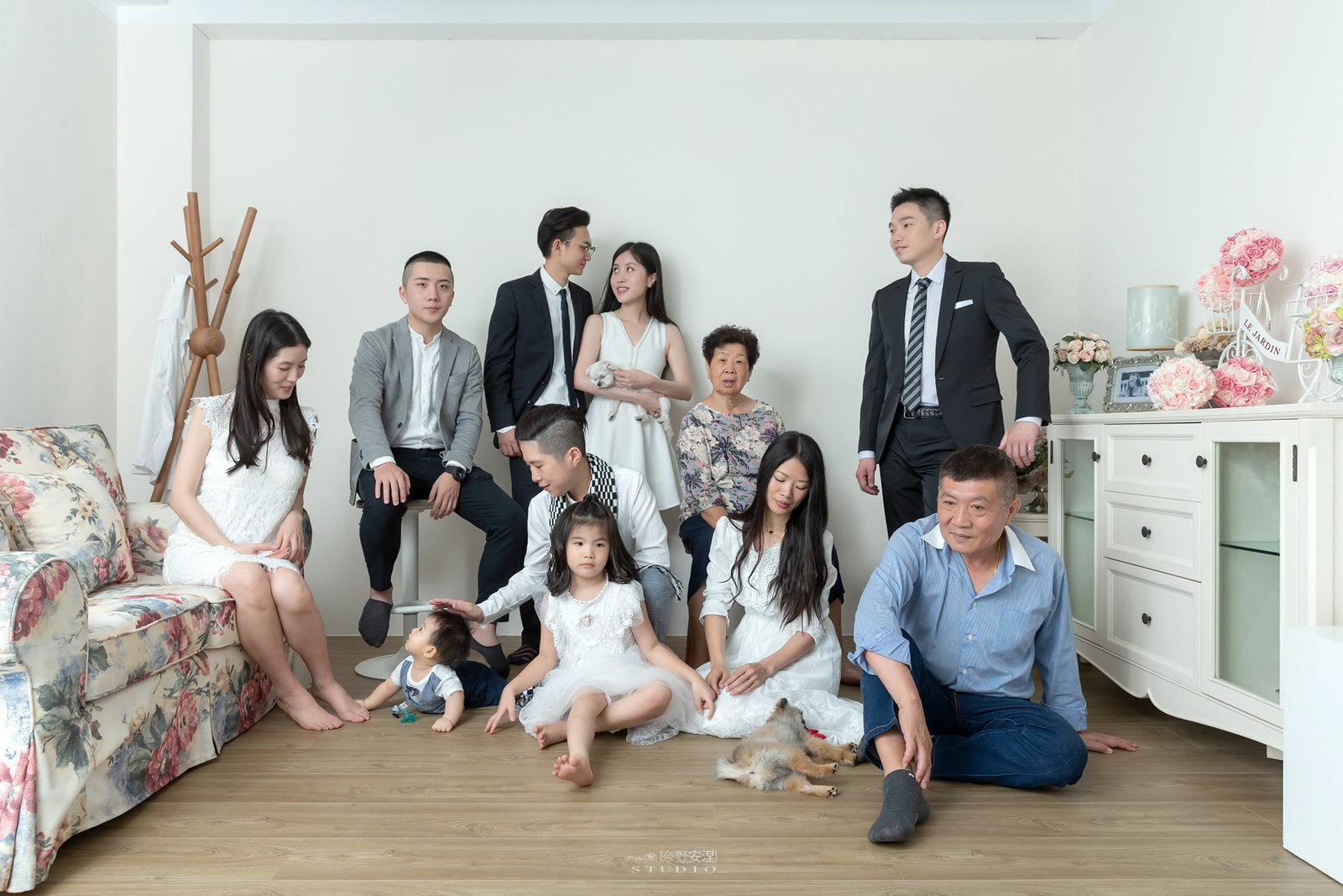 台南全家福 | 拋棄傳統合照的彆扭,忠實呈現家人間最親密的情感28