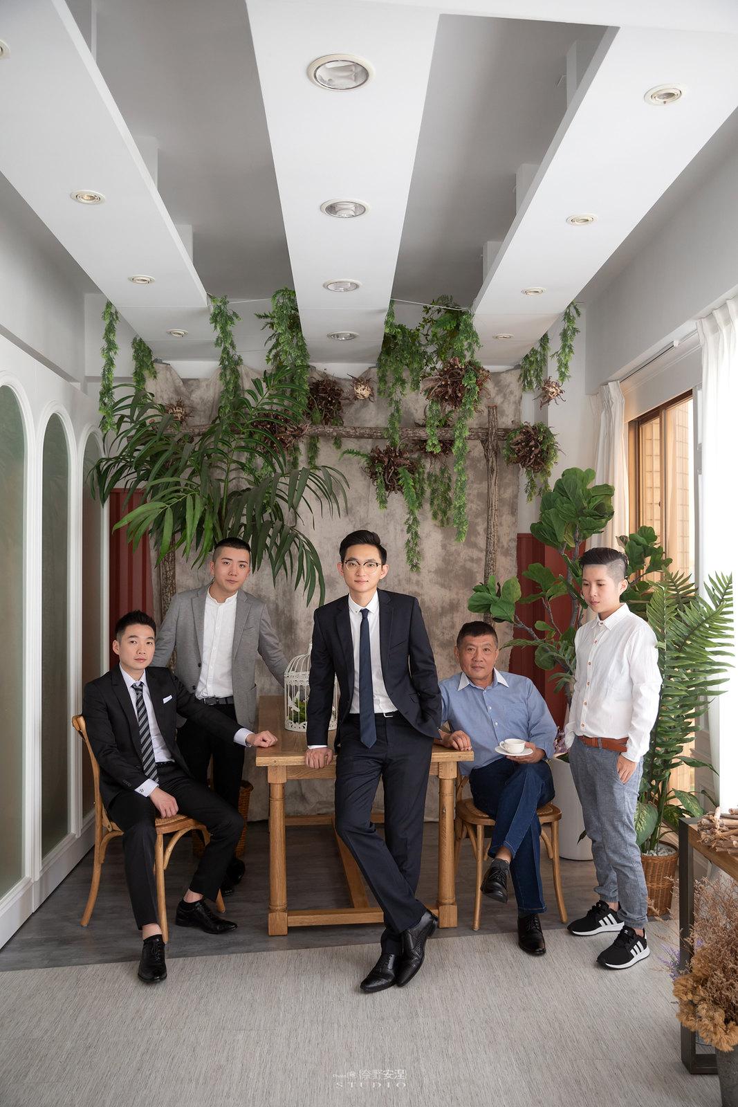 台南全家福 | 拋棄傳統合照的彆扭,忠實呈現家人間最親密的情感4