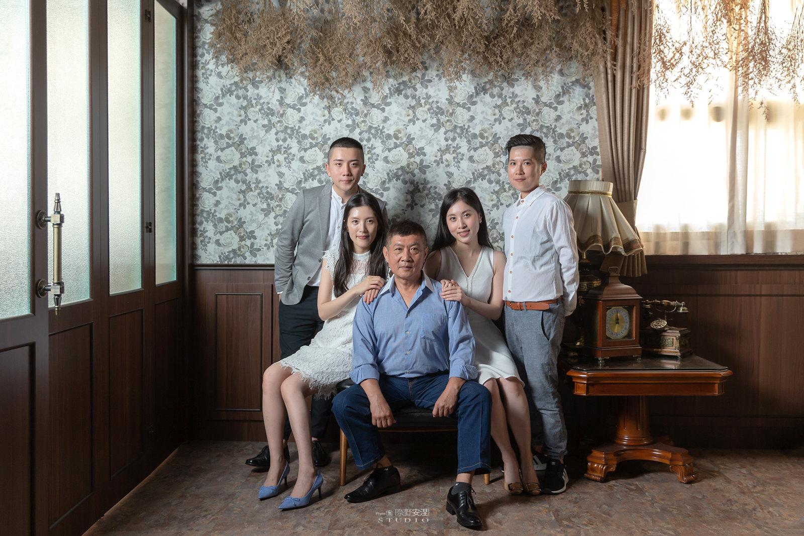 台南全家福 | 拋棄傳統合照的彆扭,忠實呈現家人間最親密的情感3