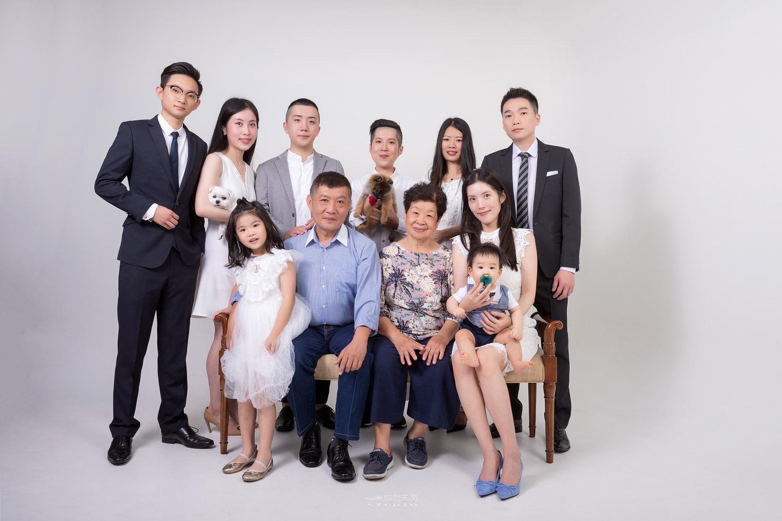 台南全家福 | 拋棄傳統合照的彆扭,忠實呈現家人間最親密的情感2
