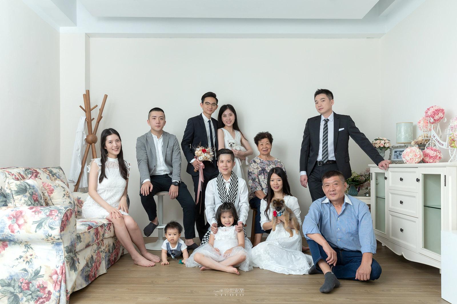 台南全家福 | 拋棄傳統合照的彆扭,忠實呈現家人間最親密的情感1
