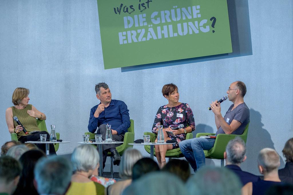 Podium v.l.n.r. Elisabeth von Thadden, Peter Siller, Simone von Stosch, Stephan Lessenich