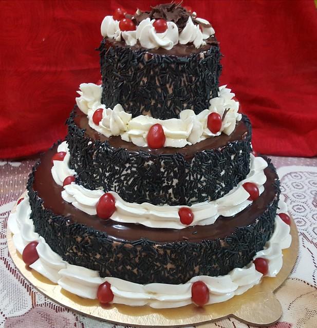 Cake by Barna Tabreez