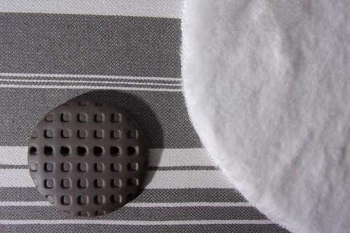 tableau terre tissus ronds noirs et blancs2