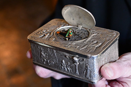 Siegfried Mechanishces Musikkabinett Snuff Box with Singing Bird. From History Comes Alive in Rüdesheim am Rhein