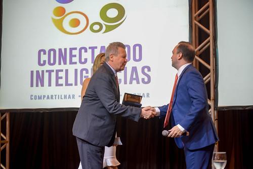 19.06.19 Prefeito Arthur recebe prêmio de excelência em gestão do TCE