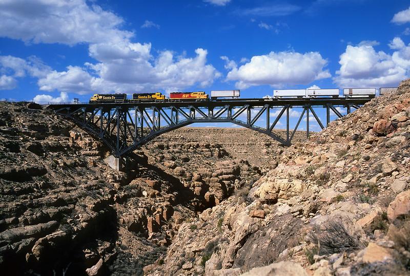 Sailing over Canyon Diablo