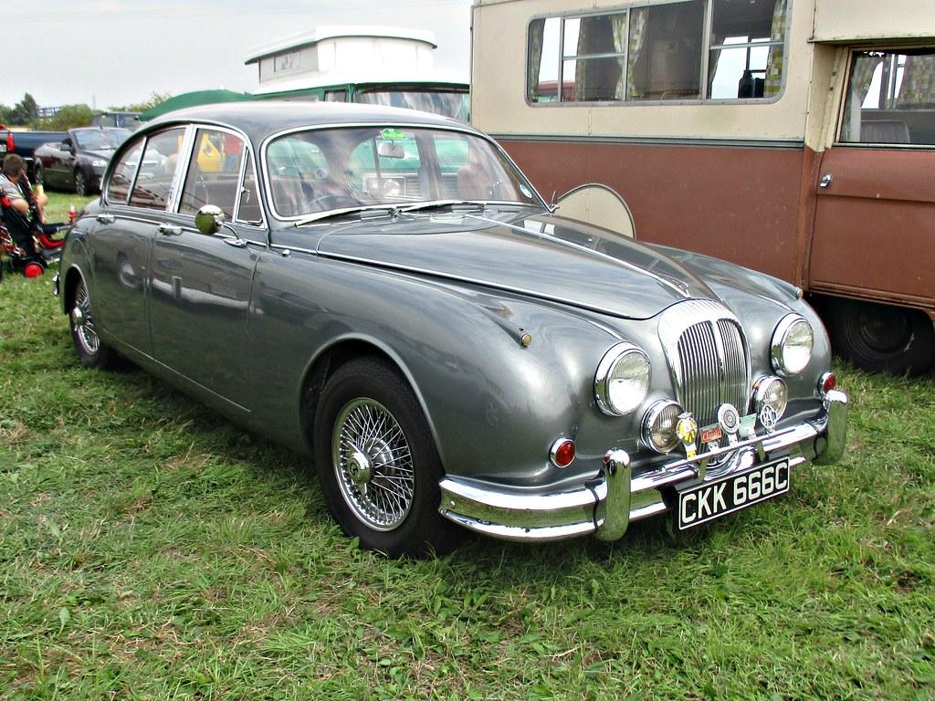 880 Daimler (V8-250) Two And A Half Litre (1965)
