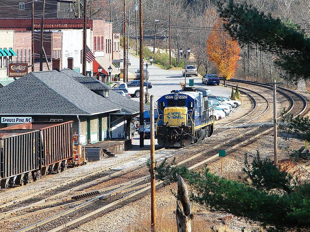 CSX mainline & station (now MOW), along with spotted GE B36-7 diesel electric locomotive # 5852, is seen at Spruce Pine, North Carolina, 11-13-2006