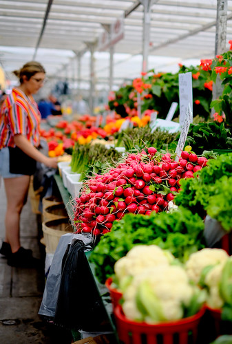 vegetables dof market ottawa fujifilm radish bywardmarket xpro2 xf35mm fujixseries xf35mmf14r