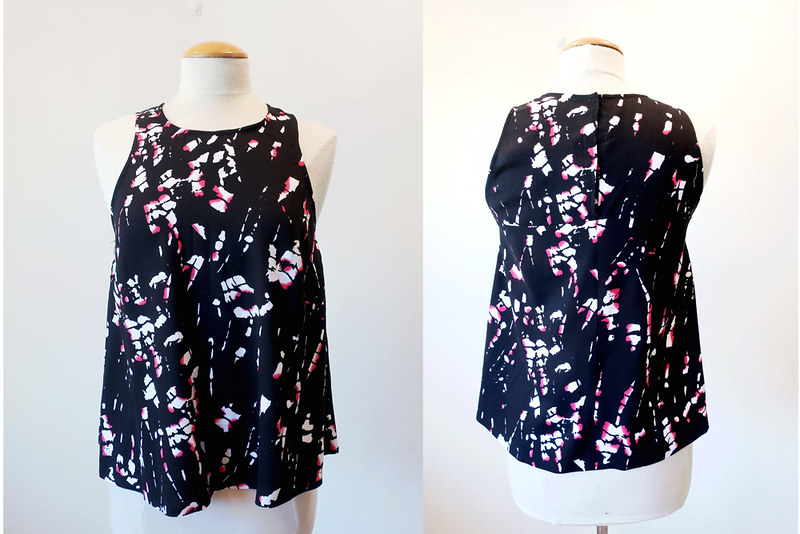 Black print bondi top front and back on form