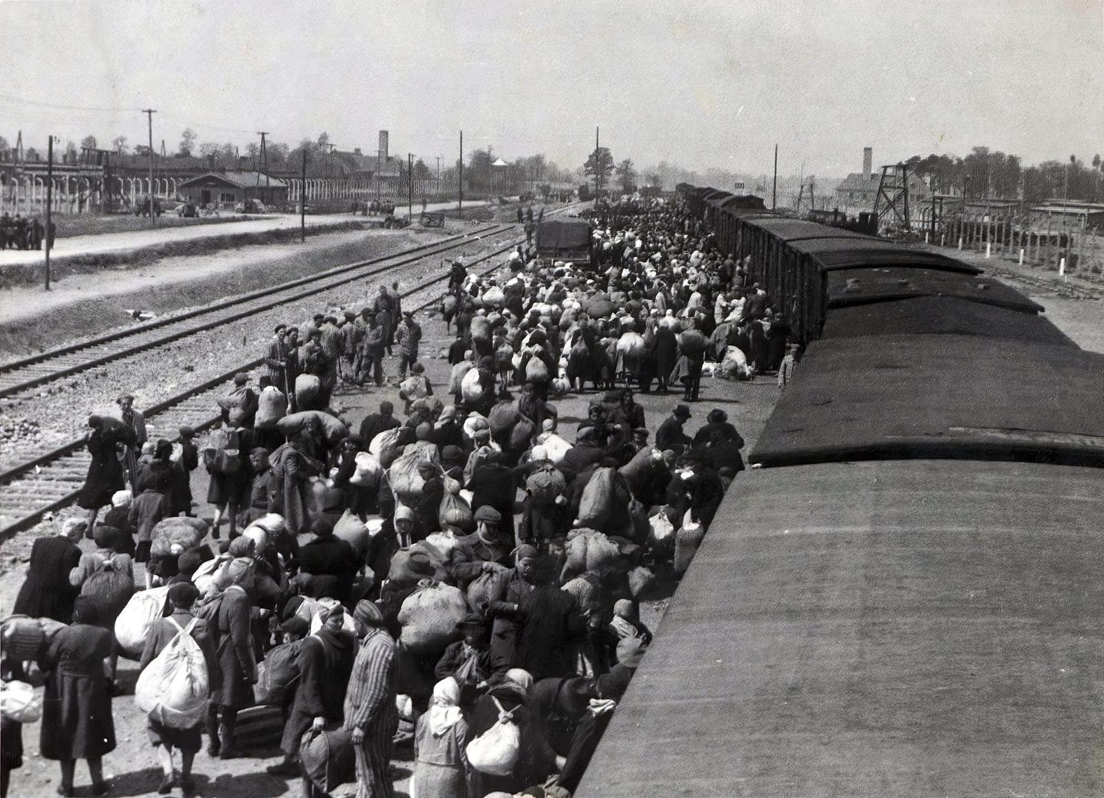75 éve indult az első vonat Szegedről