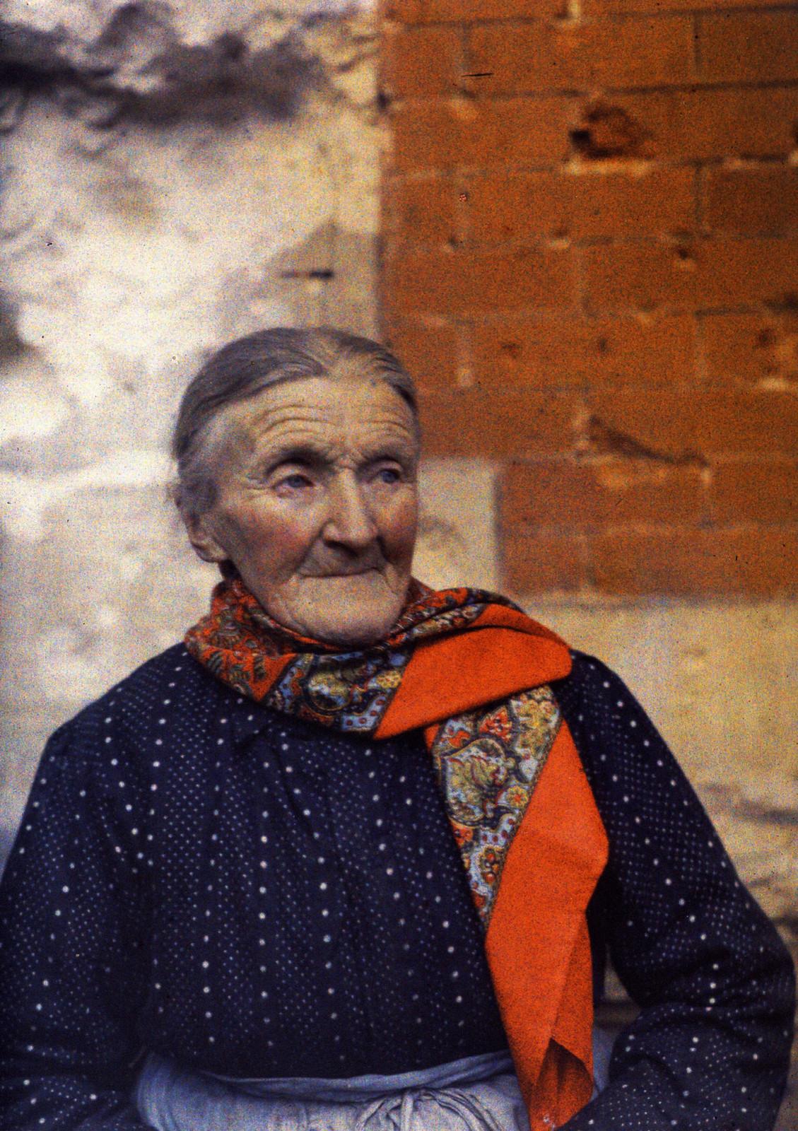 1917. Пожилая женщина в Реймсе, 6 апреля