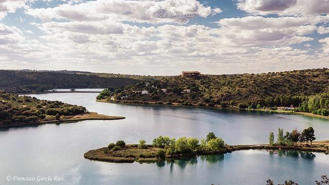 Laguna Colgada / Colgada lagoon.
