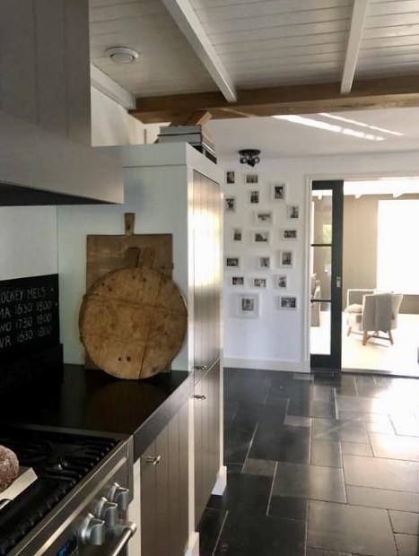 Houten snijplanken landelijke keuken