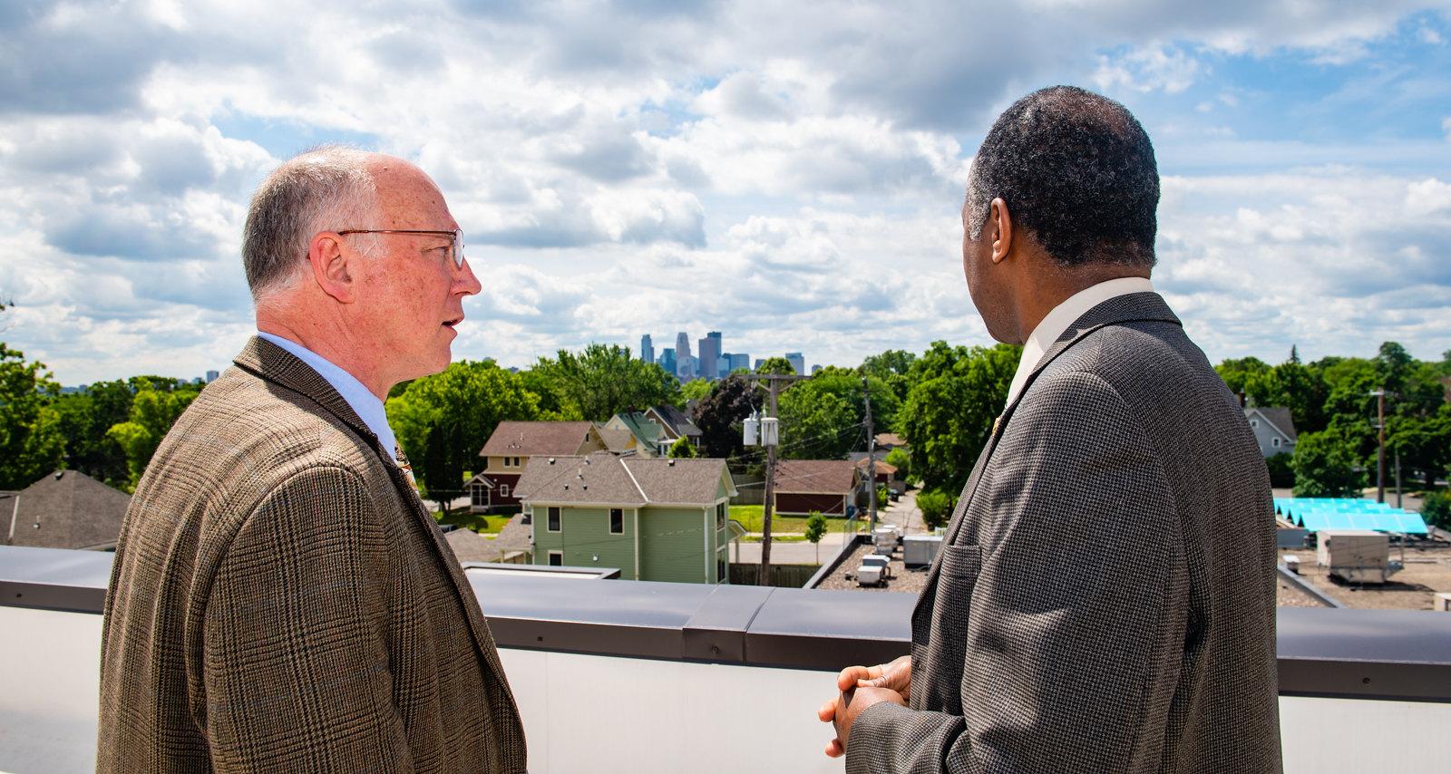 Secretary Carson Tours Affordable Housing in Minneapolis, MN