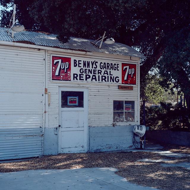 benny's garage. boulevard, ca. 2018.