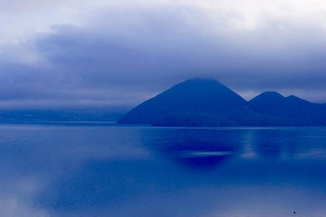 洞爺湖朝朗け情景 in the morning of Lake-Toya-1